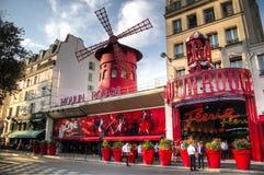 Румян Moulin в Париже, Франции стоковые изображения rf