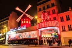 Румян Moulin к ноча стоковая фотография rf