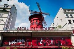 Румян Moulin мира известное на пасмурный день стоковые изображения