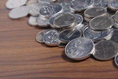 Рупия монетки - индонезийские деньги Стоковые Фотографии RF