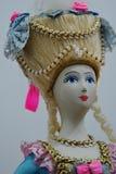 Русская благородная кукла женщины с великодушно украшенным hairdo стоковое фото