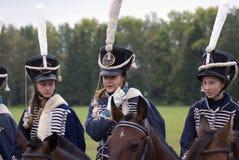 Русские солдаты женщин армии на Бородино сражают исторический reenactment в России Стоковые Изображения