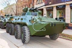 Русский бронетранспортер бронированного корабля армии катят BTR-82A, который стоковые изображения