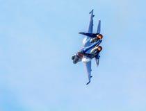 Русский воинский боец su-27 от русского Knights пилотажная команда Стоковое Изображение
