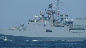 Русский воинский военный корабль ракеты сток-видео