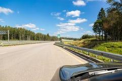 Русский номер M11 шоссе в летнем дне Стоковое Изображение RF
