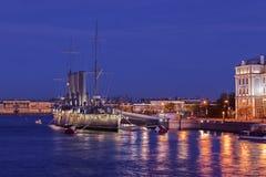 Русский рассвет крейсера - русский защитил крейсер на ноче, Sai Стоковое Фото