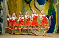русский танцульки фольклорный Стоковые Фото