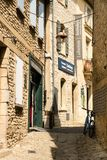 """Рута de l """"glise ‰ Ã, 84220 Gordes, Франция стоковое изображение"""