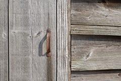 Ручка двери амбара предусматриванная в ржавчине Стоковое Изображение