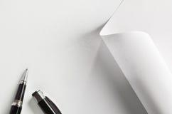 Ручка и бумага Стоковые Фотографии RF