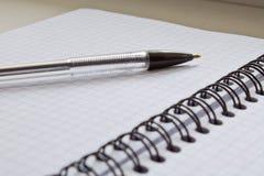 Ручка и блокнот Стоковые Фотографии RF