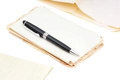Ручка и документы шариковой авторучки Стоковые Изображения