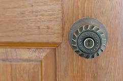 Ручка и отверстие для ключа двери Стоковое фото RF