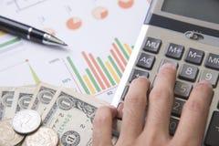 Ручка, калькулятор, деньги, финансы дела концепции диаграммы Стоковое Изображение RF