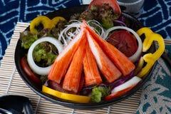 Ручка краба с салатом стоковые изображения