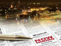 Ручка на газете Стоковые Фото