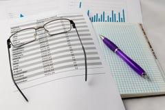 Ручка на листе Стоковые Фото