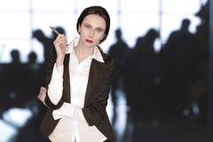 Ручка удерживания женщины Стоковые Фотографии RF