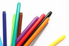 Ручка цвета Куча при ручки цвета изолированные на белой предпосылке Текстура предпосылки цвета, деятельность при войлок-ручки Пот стоковые изображения