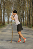 ручка meditative дороги девушки стоящая Стоковое Изображение RF