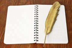 Ручка quill firebird золота Стоковое Изображение RF