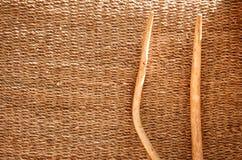 Ручки вилы над esparto ковром ткани Стоковое Изображение