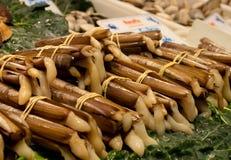 Ручки рынка морепродуктов шведского стола еды улиток улитки стоковое изображение rf