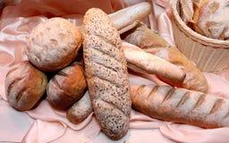 Ручки хлеба пшеницы и плюшки хлеба пшеницы Стоковые Изображения RF