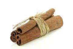 Ручки циннамона обернутые совместно Стоковое Изображение