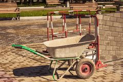 Ручная тележка в парке Стоковое Изображение