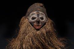 Ручной работы африканская маска при веревочки имитируя волосы Стоковые Изображения RF