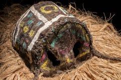 Ручной работы африканская маска при веревочки имитируя волосы Стоковые Фотографии RF