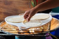Ручной работы свежий tortilla мозоли Стоковое фото RF