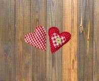 Ручной работы сердца ткани День валентинок, Wedding состав с сердцами Стоковое Фото