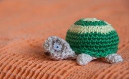 Ручной работы черепаха стоковые изображения rf