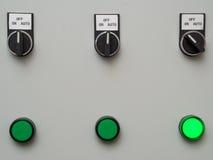 Ручные автоматические переключатели на пульте управления с светлым индикатором Стоковое Изображение RF