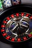 Рулетка казино и обломоки играть Стоковая Фотография