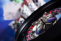 Рулетка казино и обломоки играть Стоковые Изображения