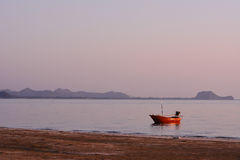 Рыбацкая лодка анкера Стоковые Изображения