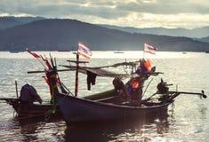 Рыбацкая лодка в море Стоковая Фотография RF