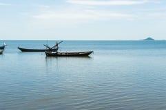 Рыбацкая лодка в море стоковое фото