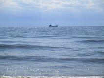 Рыбацкая лодка в открытом море, Украине Стоковое Изображение
