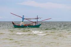 Рыбацкая лодка кальмара стоковая фотография