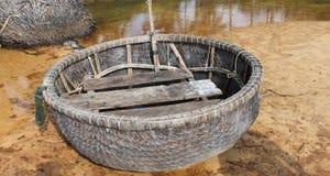 Рыбацкая лодка на береге Стоковая Фотография