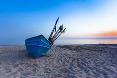 Рыбацкая лодка на восходе солнца Стоковые Фото