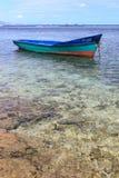 Рыбацкая лодка на причаливает, Маврикий Стоковая Фотография