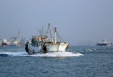 Рыбацкая лодка традиционного китайския Стоковая Фотография