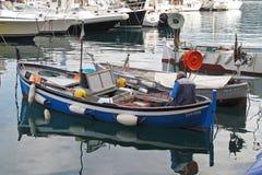 Рыбацкие лодки в Санта Margherita Ligure, Италии стоковые изображения rf