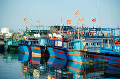 Рыбацкие лодки в Марине на Nha Trang, Вьетнаме Стоковая Фотография RF